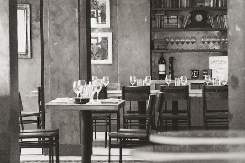 Rise in Restaurant No Shows and How to Reduce Them - BE Furniture Sales